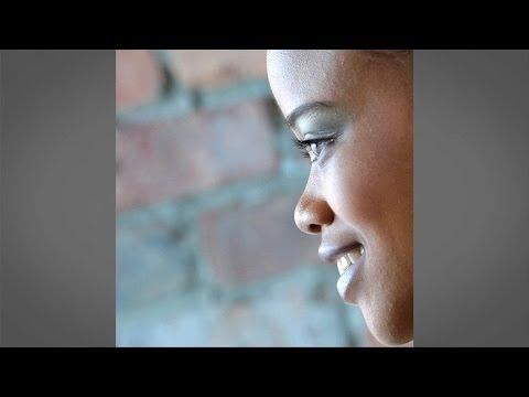 Angles of the Face : Posing and Lighting with Doug Gordon : Adorama Photography TV