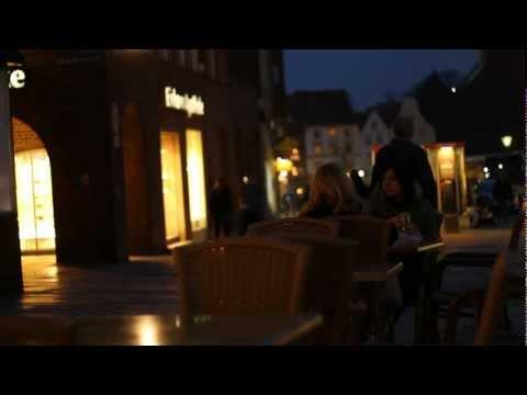 Moments of Twilight – CANON EOS 550D w/ 50mm 1.8 II low light Shots FULL HD