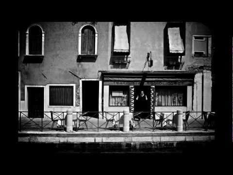 Street photography , Venice , Fuji x100