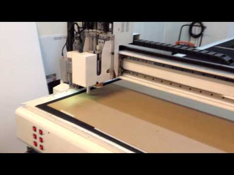 Digital Die Cutting and Printing Boxes with AlphaCorr Box Templets