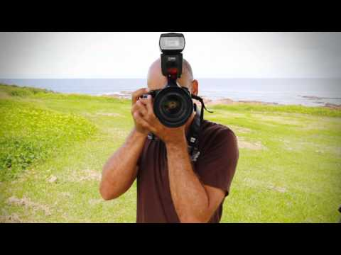 How to hold a Digital SLR Camera like a PRO